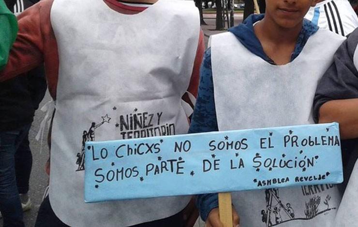 Argentina: entre el disciplinamiento y la organización colectiva de la niñez